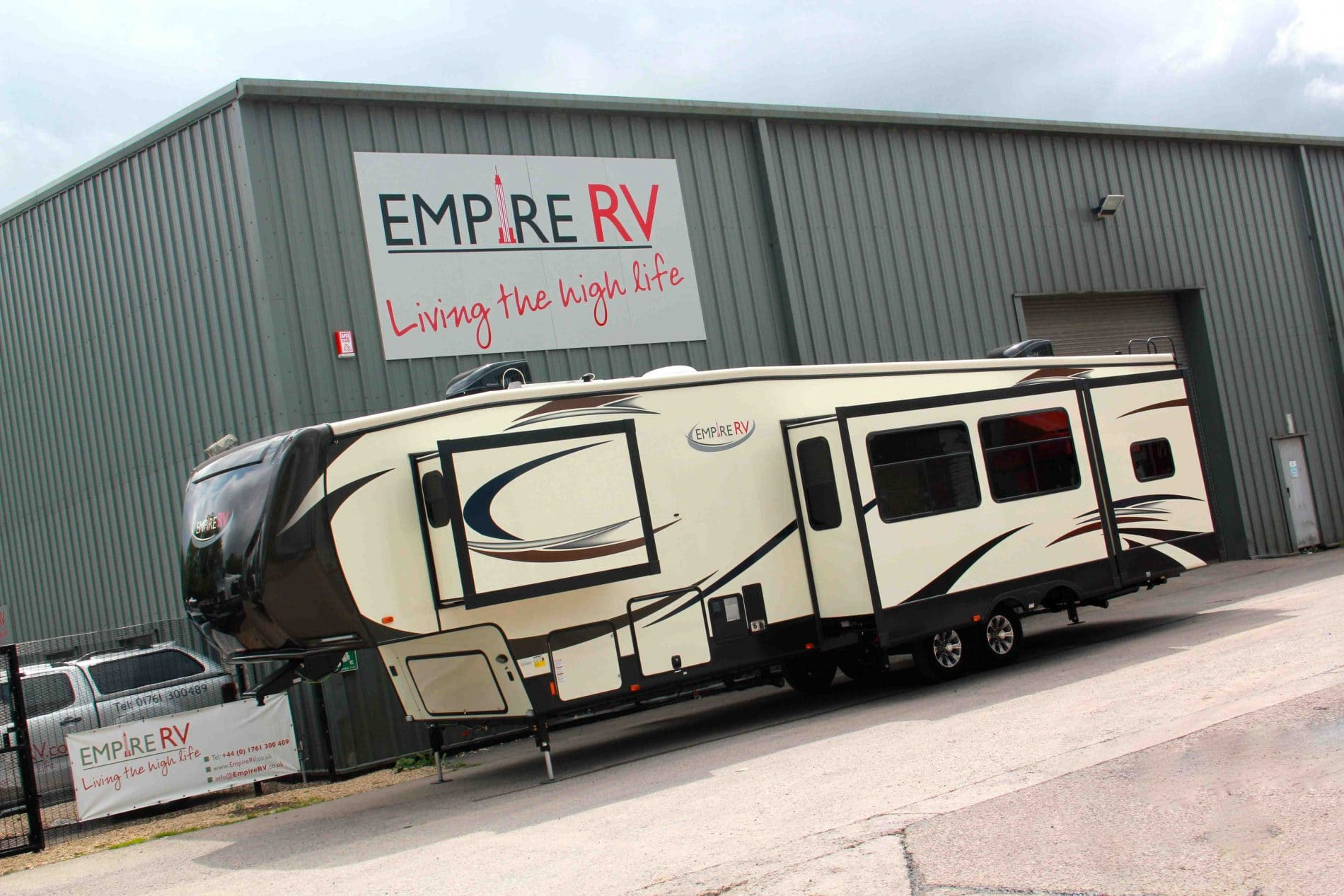 Empire RV Resort RV Motorhomes for sale rent – (c) Empire RV
