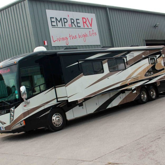Winnebago Tour 42QD1 RV Motorhomes for sale rent - (c) Empire RV (1)