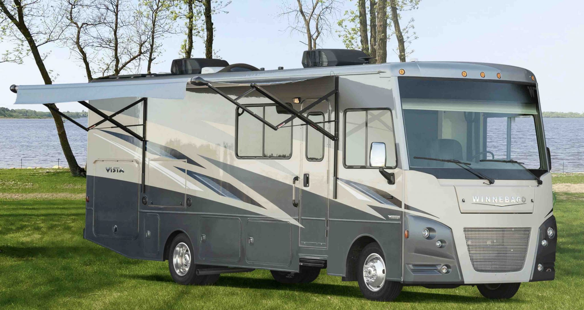 2020 Winnebago Vista 1